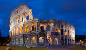 Colosseum_in_Rome_Italy_-_April_2007.jpg